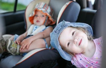 5 astuces pour occuper les enfants en voiture